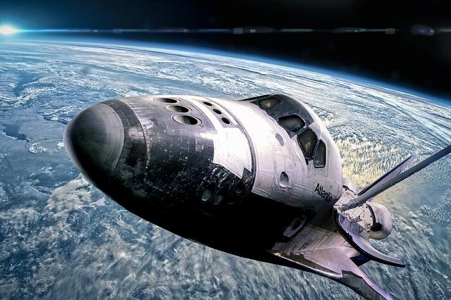 raketoplán ve vesmíru