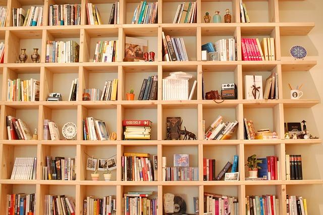 poličky na knihy.jpg