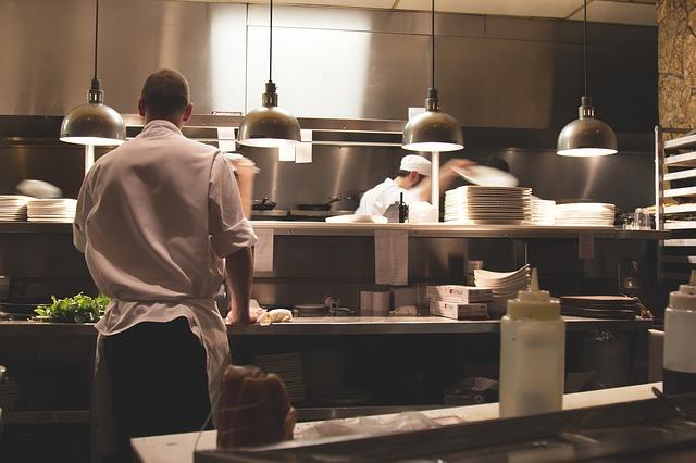 kuchyně restaurace.jpg
