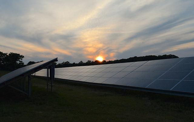 soláry na poli